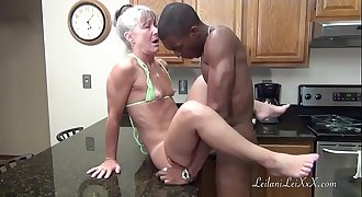 Camel Toe Kitchen - Milf Gets Facial cumshot