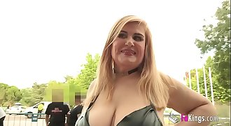 44yo MILF hunting for twinks to fuck them. Musa is out of her mind across Erotic Salon!